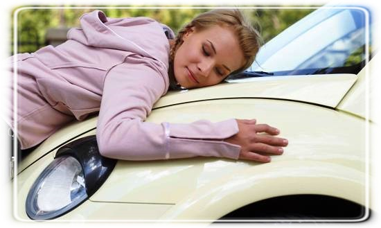 Young-Woman-Hugging-VW
